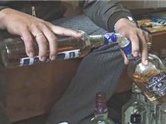 Clip: Cảnh biến nước lã thành rượu trong nháy mắt ở Hưng Yên