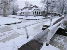 Ngôi làng chỉ xuất hiện đường đi vào mùa đông
