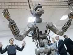 Nga phát triển robot hình người làm việc ngoài vũ trụ