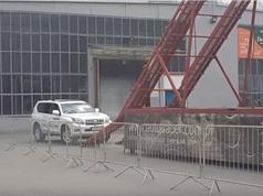 Clip: Màn leo dốc đứng bằng xe Toyota Land Cruiser siêu ngoạn mục