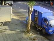 Clip: Tài xế gây tai nạn chết người vì sai lầm sơ đẳng