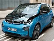 KỲ LẠ: BMW triệu hồi xe chạy điện vì nguy cơ... rò rỉ xăng
