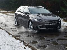 Ford phát triển hệ thống cảnh báo ổ gà trên đường