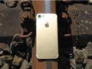 Clip: Điều gì xảy ra khi iPhone 7 bị... tàu hoả cán?