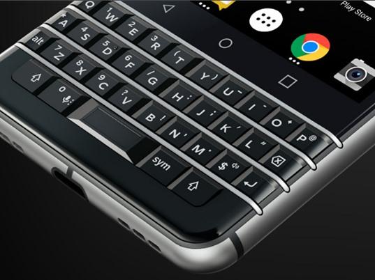 Blackberry lộ KeyOne trước giờ công bố