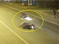 """Clip: Vụ tai nạn xe máy """"rợn người"""" ở Đồng Nai"""