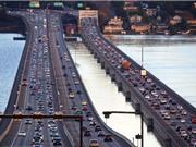 Cận cảnh cây cầu nổi trứ danh của bang Seattle