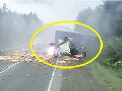 Clip: Rùng mình với những tai nạn xe tải thảm khốc