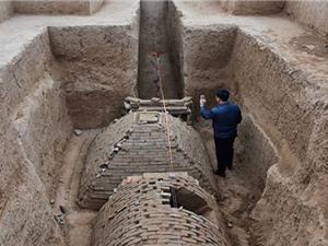 Phát hiện ngôi mộ kim tự tháp dưới công trường xây dựng