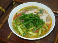 Thử tài bếp núc với món bún cá rô rau cần