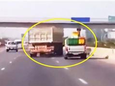 Clip: Lái xe chèn ép nhau trên đường và cái kết bất ngờ