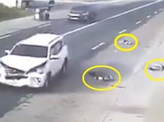 Clip: Xe hơi mất lái, tông thẳng vào xe máy