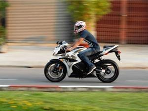 Những mẹo nhỏ giúp lái xe máy an toàn
