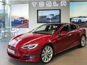 """Vừa ra mắt tại Hàn Quốc, Tesla đã """"gây sốt"""""""