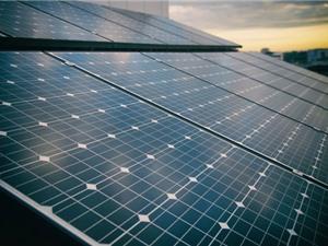 Nhật Bản: Đột phá trong công nghệ tạo tấm pin năng lượng mặt trời