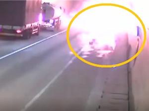 Clip: Bị thủng lốp, xe chở gas gây nên vụ nổ kinh hoàng