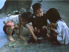 """Ảnh màu """"siêu độc"""" về trẻ em miền Nam, Trung trước năm 1975"""
