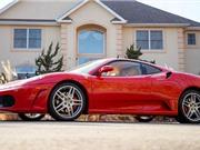 Siêu xe Ferrari cũ của Tổng thống Donald Trump có giá kỷ lục