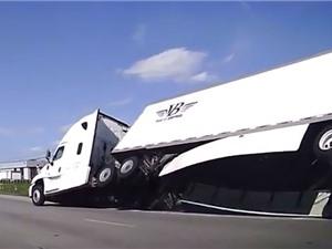 Clip: Xe container bị lật khi ôm cua