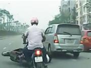 """Clip: Những tình huống """"tạt đầu"""" xe đáng lên án tại Việt Nam"""