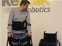 Tạm biệt xe lăn nhờ đôi chân robot