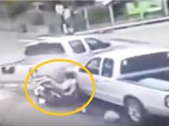 Clip: Chủ xe Nozza dính tai nạn siêu đen đủi