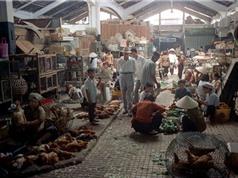 """Những bức ảnh """"độc nhất vô nhị"""" về chợ Bến Thành năm 1973"""