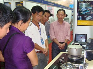 Kiềng đun nước tự động tiết kiệm gas - sản phẩm của nhà sáng chế Việt Nam