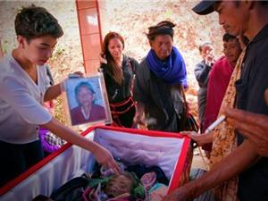 Tập tục sống cùng người chết kỳ lạ của người Torajan ở Indonesia