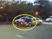 """Clip: Những tai nạn xe máy khiến người người xem """"lạnh sống lưng"""""""