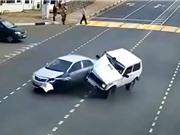Clip: Hãi hùng với loạt tai nạn kinh hoàng trên đường bộ