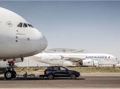 "Xem video Porsche Cayenne S Diesel ""kéo lê"" Airbus A380"