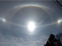 Lý giải quầng mặt trời kỳ lạ xuất hiện trên bầu trời miền Trung
