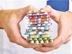 """Vì sao vi khuẩn ngày càng """"nhờn"""" với thuốc kháng sinh?"""