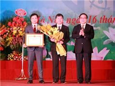 Sở KH&CN Hà Nội nhận cờ thi đua của Bộ KH&CN