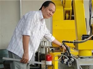 Kỹ sư Lê Anh Kiệt: Mở rộng sản xuất robot phục vụ công nghiệp