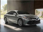 """XE """"HOT"""" NGÀY 19/5: Xe côn tay giá cực sốc, Toyota Camry 2018 sắp ra mắt ở châu Á"""