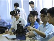 Sinh viên Bách khoa chế tạo robot cứu nạn ứng dụng công nghệ thực tại ảo và IoT