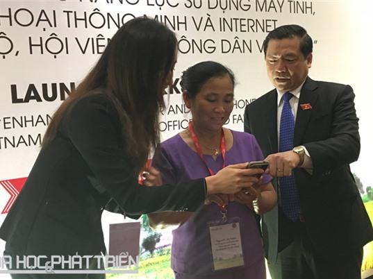 Năm 2020, Việt Nam có 30.000 nông dân sử dụng thành thạo internet