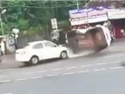 Clip: Xe Hyundai Creta bị tông lật nhào như phim hành động