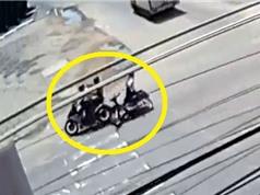 Clip: Thanh niên chạy Yamaha Exciter tông ngã người phụ nữ ở Gia Lai