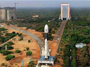 Ấn Độ phóng siêu tên lửa đưa vệ tinh viễn thông lên vũ trụ