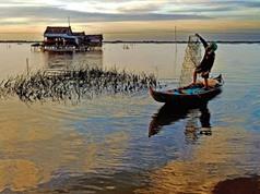 """Ngắm nét yên ả, thanh bình của """"biển Hồ giữa đồng bằng"""""""
