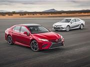 Ngạc nhiên vì mức tiêu thụ nhiên liệu của Toyota Camry Hybrid 2018