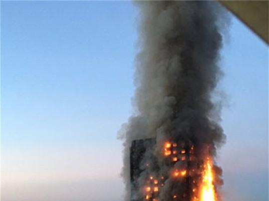 Cách sống sót khi nhảy từ nhà cao tầng đang cháy