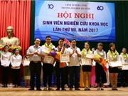 Đại học Hà Tĩnh trao thưởng sinh viên nghiên cứu khoa học năm 2017