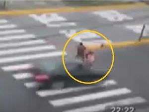 Clip: Người đi bộ tử nạn vì qua đường sai luật
