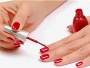 Sơn móng tay thường xuyên gây vô sinh, ung thư