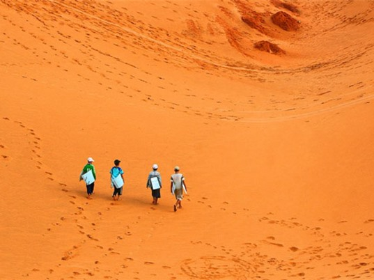 """Tới Bình Thuận đừng quên ghé thăm đồi cát """"biến hình"""""""
