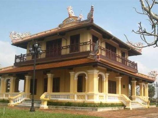 Hoàng tử nhà Nguyễn được dạy học như thế nào?